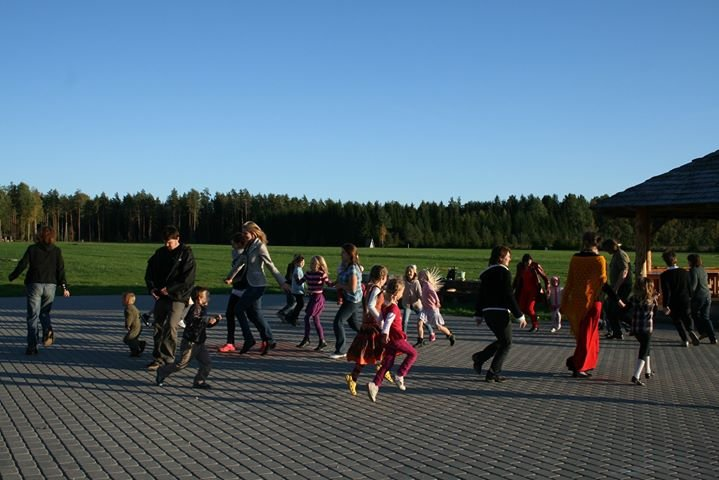 Latvijas Vecāku kustība cover