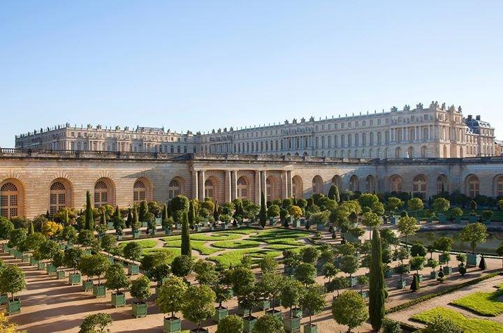 Château de Versailles cover