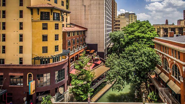 Hotel Valencia Riverwalk cover