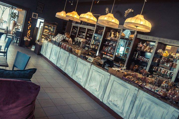 Rienzi Cafe cover