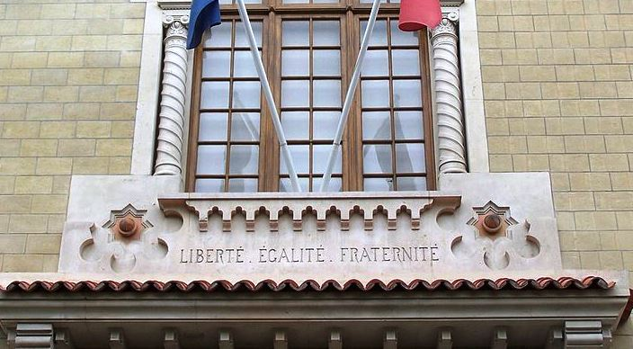 Ambassade de France en Croatie - Francusko veleposlanstvo u Hrvatskoj cover