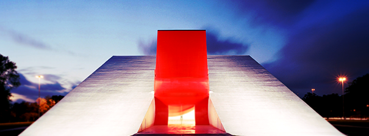Auditório Ibirapuera - Oscar Niemeyer cover