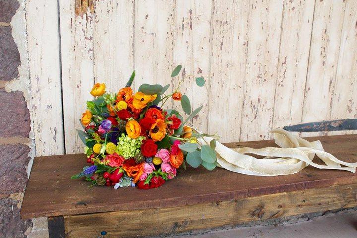 """I DO"" Weddingsandflowers cover"