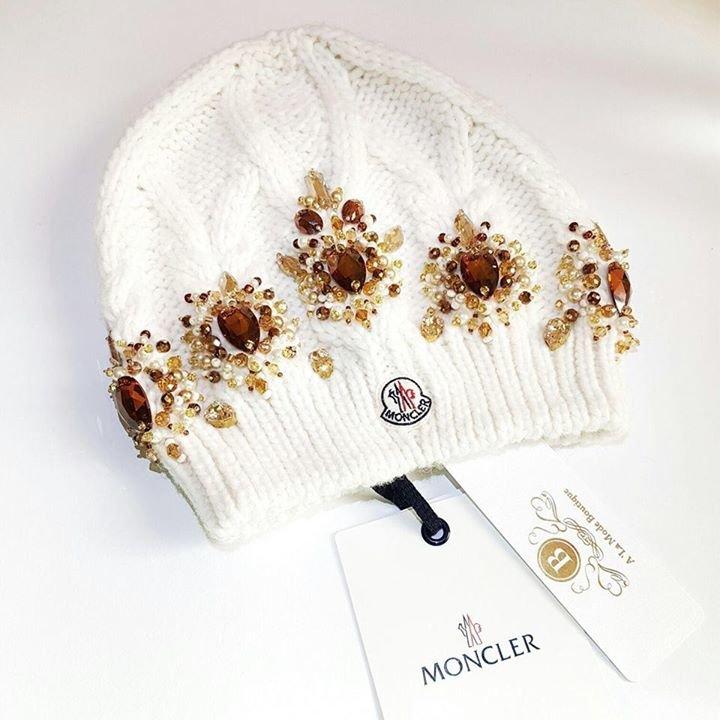 A 'La Mode Boutique cover