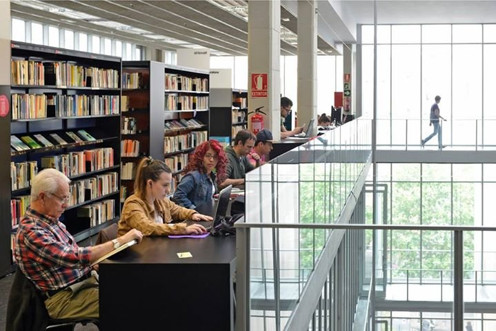 Biblioteques de Barcelona cover