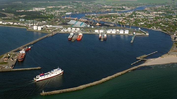 Ventspils brīvosta / Port of Ventspils cover