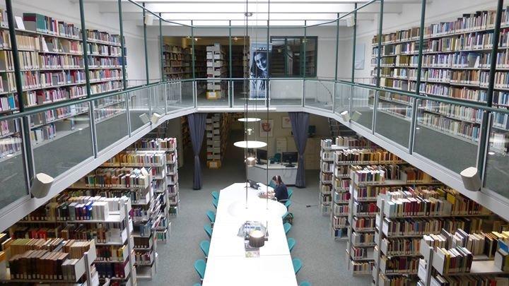 Bibliothek im Haus der Niederlande cover
