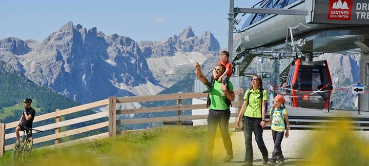 3 Zinnen Dolomites Ski Resort cover