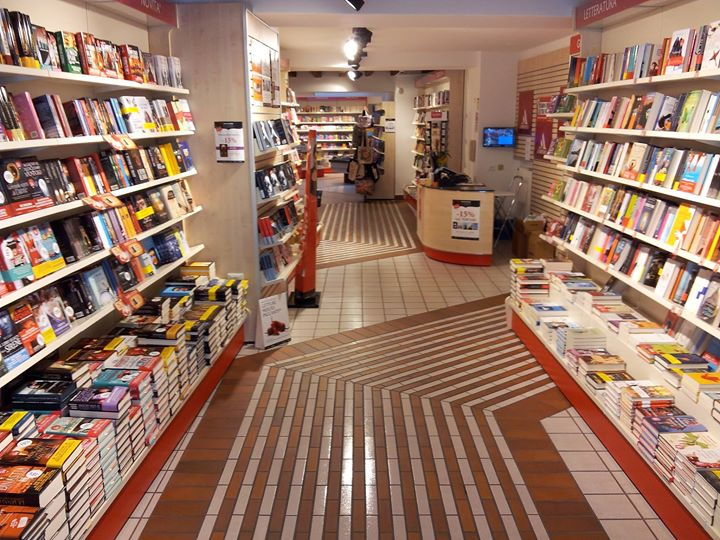 Libreria Mondadori Bergamo cover