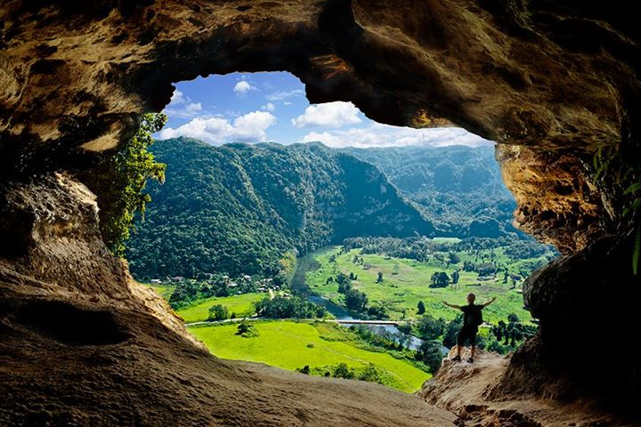 Aventura Cueva Ventana cover