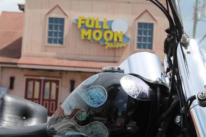 naeked-full-moon-saloon-daytona-boobs-pics-man-man