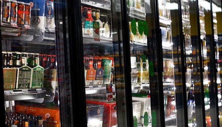 Zipps Liquors cover