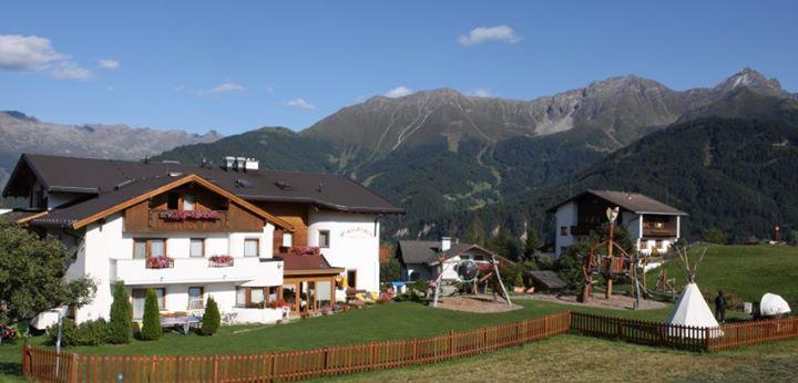 Familienhotel Wiesenheim cover