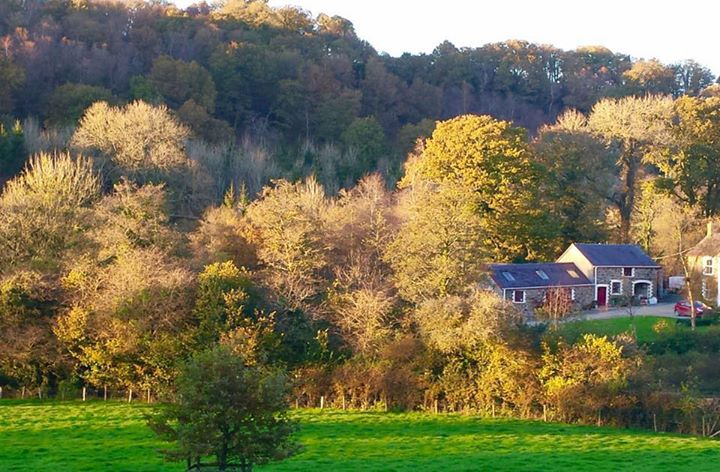 Old Oak Barn cover