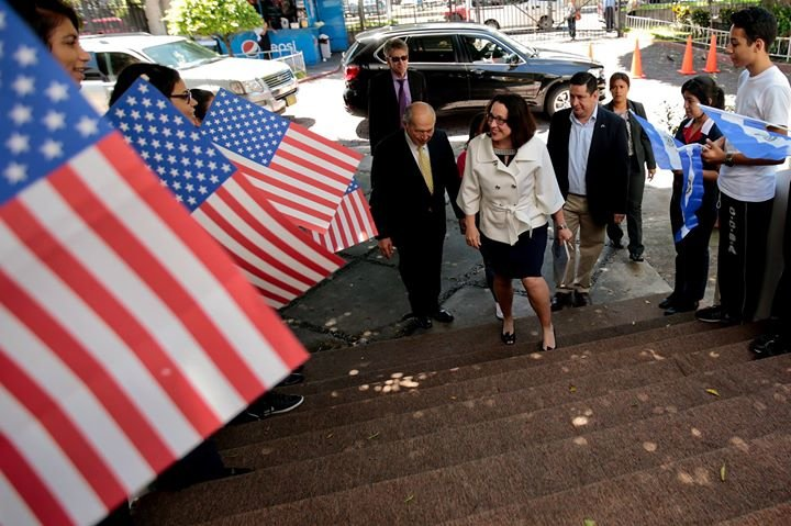 Embajada de los Estados Unidos en El Salvador cover