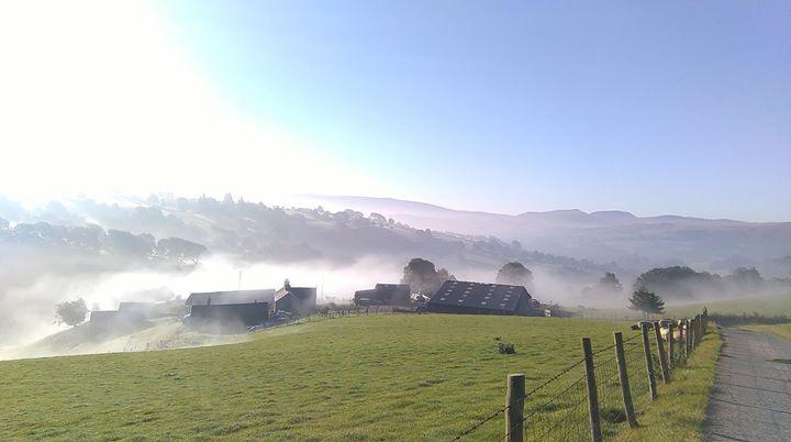 Bythynnod Moel Yr Iwrch Cottages, Snowdonia cover