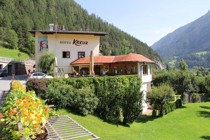 Hotel Kreuz cover