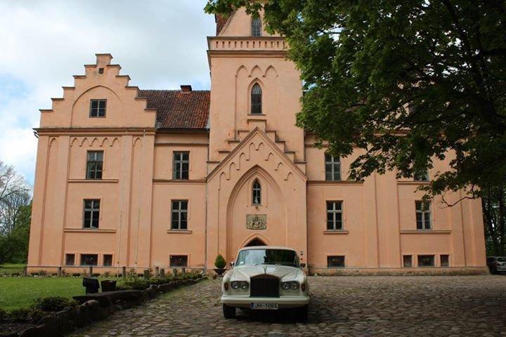 Ēdoles Pils Edole Castle cover