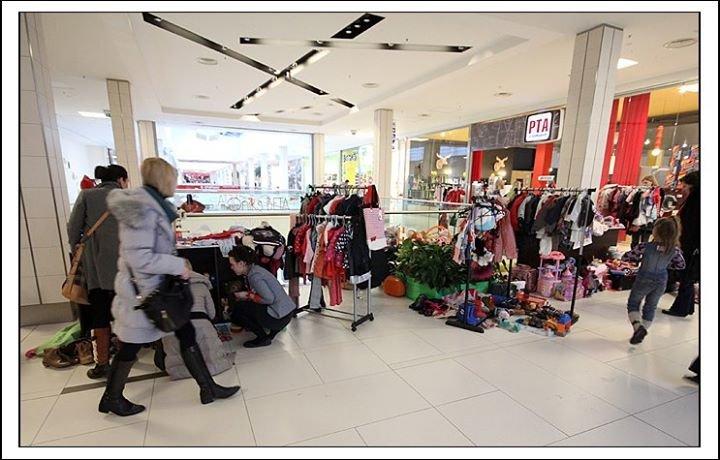 Bērnu apģērbu un mantu tirdziņš cover