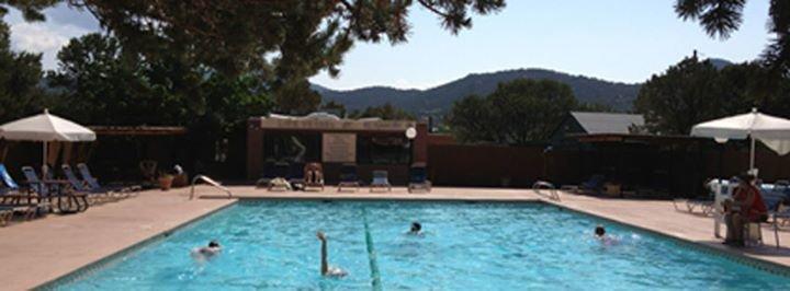 El Gancho Fitness, Swim & Racquet Club cover