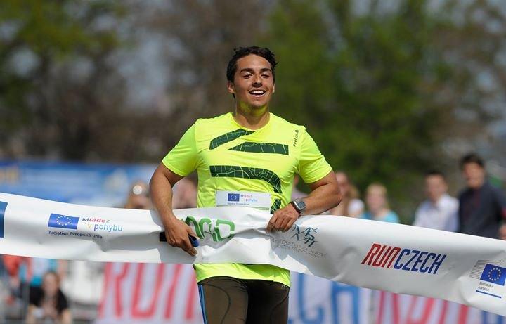 Juniorský maraton - Běžíme pro Evropu cover