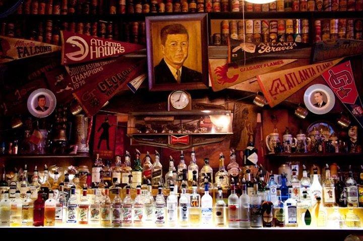 Manuel's Tavern cover
