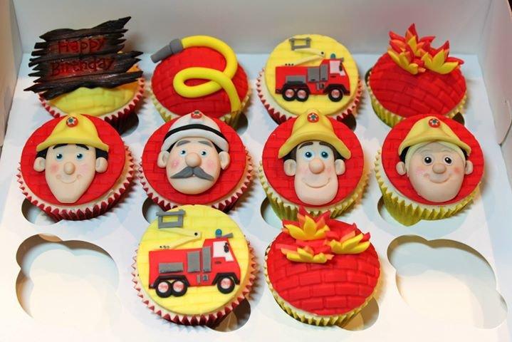 Deeluscious Cupcakes cover