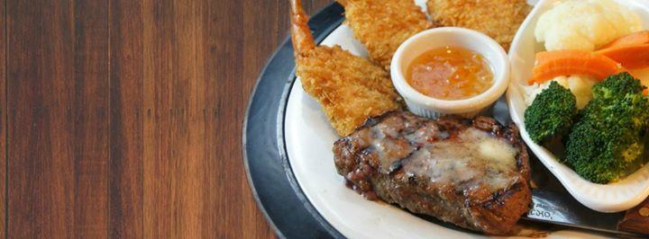 define target market for ruby river steak house