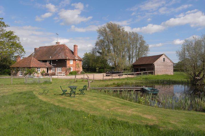 Snoadhill Cottage Bed & Breakfast, Bethersden, Kent cover