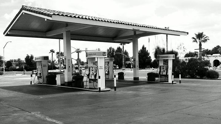Rocky's Shell & Automotive Center cover