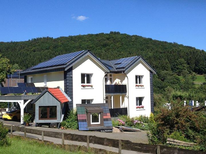 Schmellenkamp Die Dachbaumeister              Dachbau • Holzbau • Solar    cover