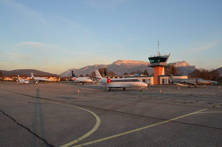 Aéroport d'Annecy cover