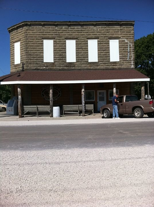 Pinky's Bar & Grill in Courtland, Kansas cover