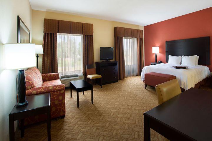 Hampton Inn & Suites by Hilton Laurel cover