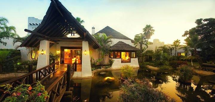 El Campanario Golf & Country House cover