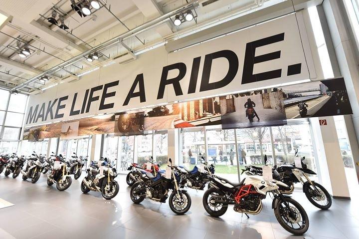 BMW Motorrad Zentrum München cover