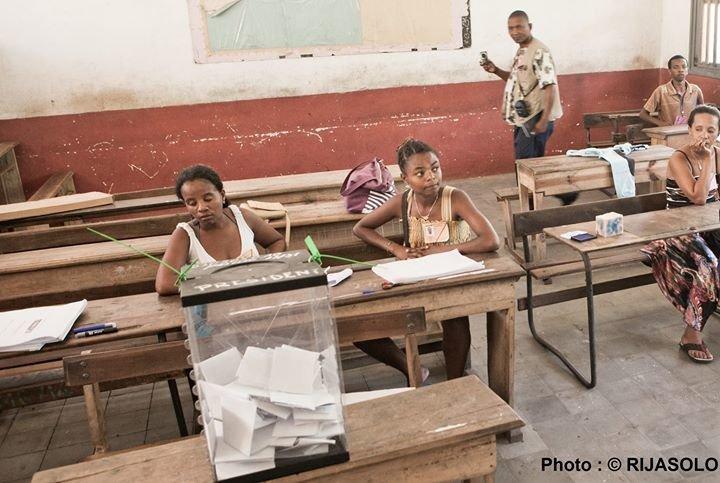 Mission d'Observation Electorale de l'Union Européenne - Madagascar 2013 cover