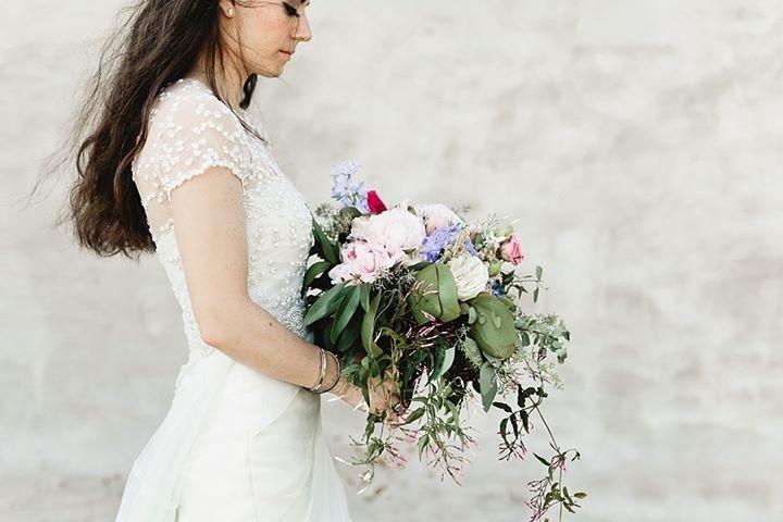 Bride Meets Wedding cover