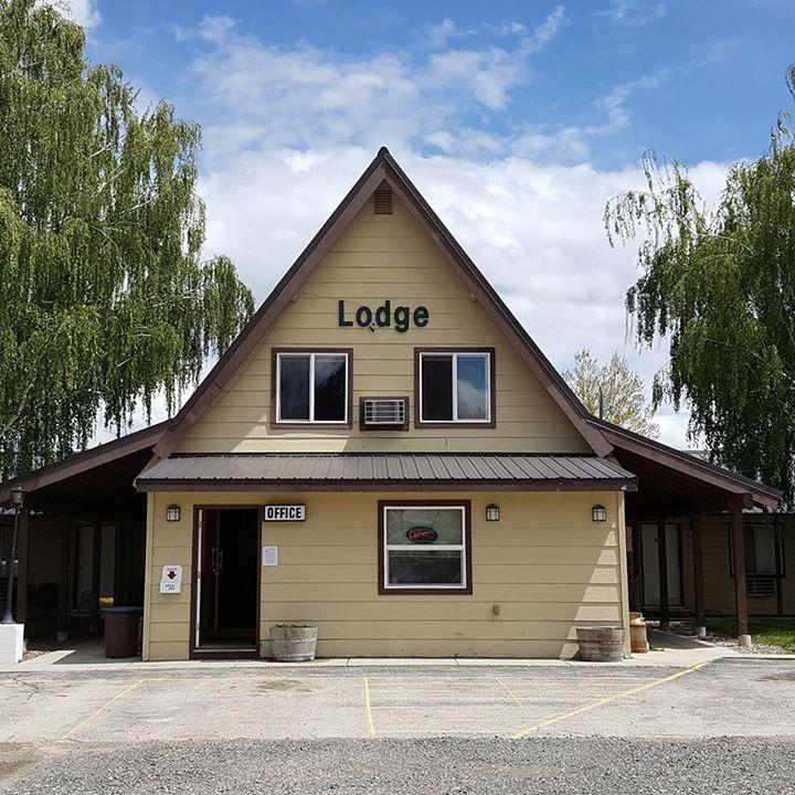 Birch Glen Lodge & Motel cover