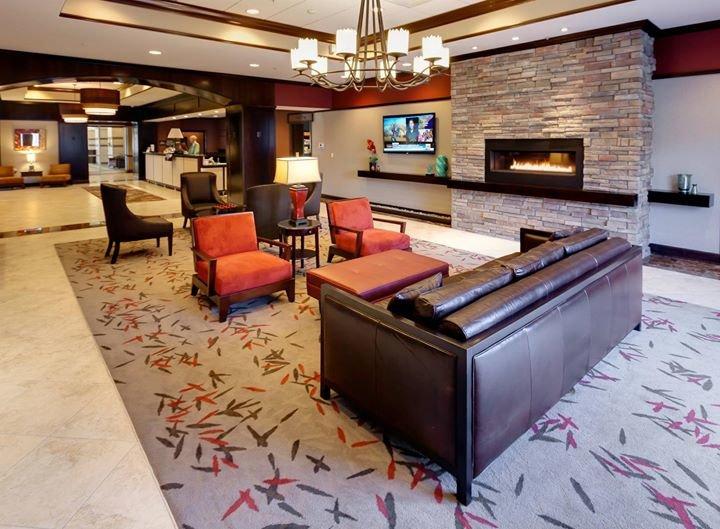Hampton Inn & Suites Buffalo cover