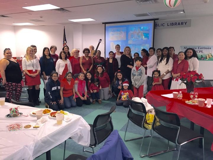 Mujeres Latinas at Middle Country Public Library cover