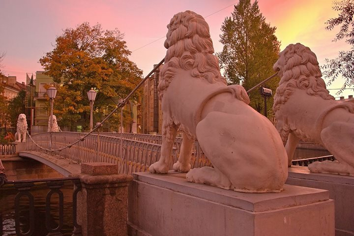 Visit-Petersburg cover