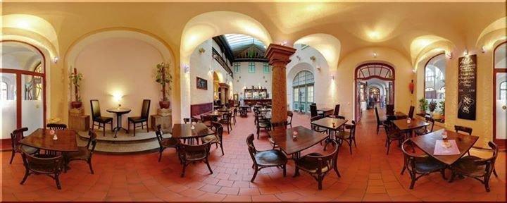 Café - Restaurant im Mueller'schen Volksbad cover