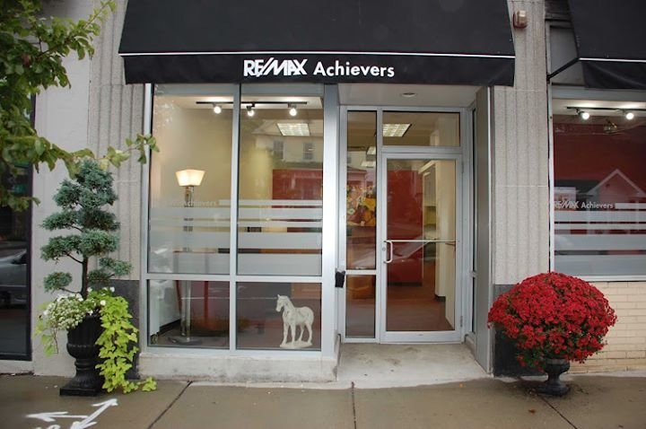 Diane Capodilupo's Remax Achievers Office cover