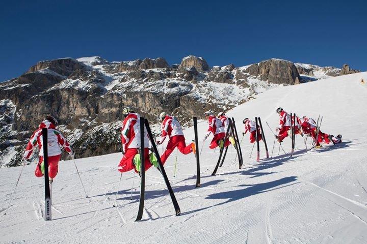 Scuola Sci e Snowboard Arabba cover