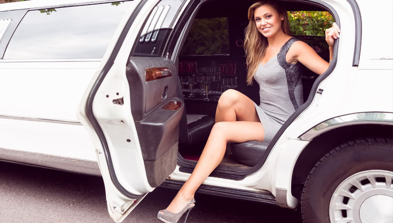 Luxlimu Limousine Service cover
