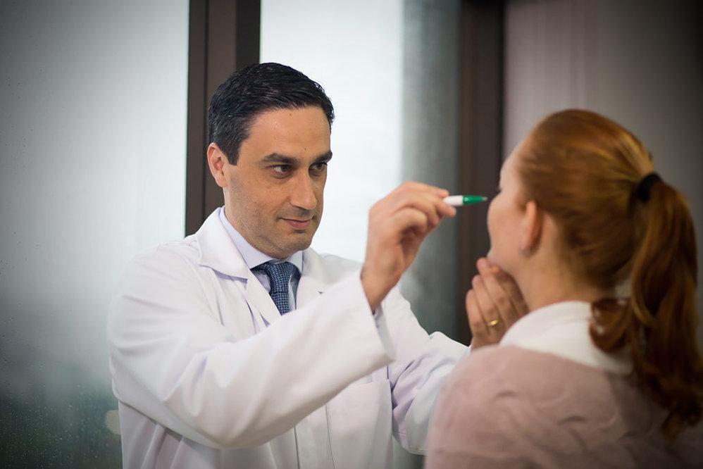 Dr. Alan Silveira - Cirurgião Plástico cover