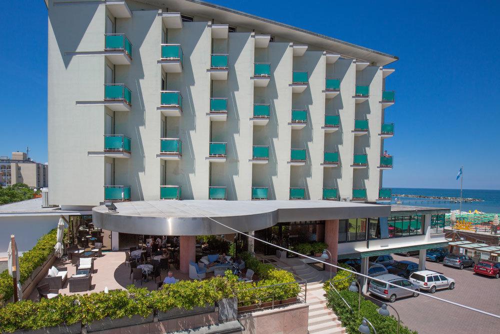 Hotel Spiaggia Gatteo Mare cover
