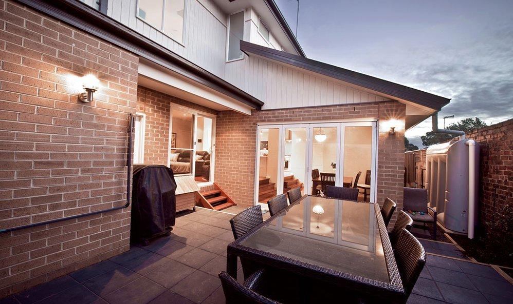 Builders Surrey Hills cover