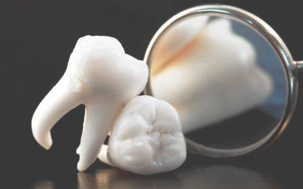 India Dental World cover
